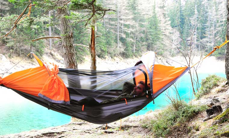 hammock with mosquito   multifunctional outdoor gear  the flying tent   cool of the wild  rh   coolofthewild