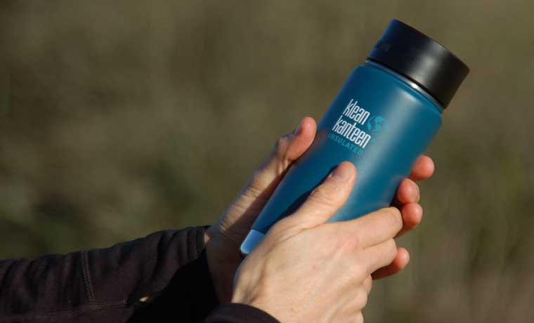 Klean Kanteen flask in hands