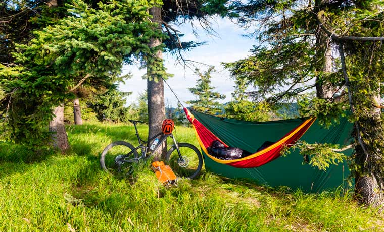 Lightweight backpacking hammock
