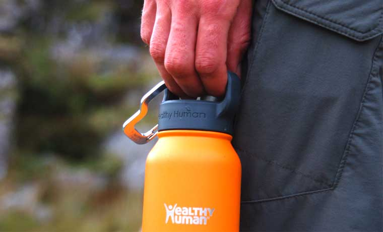 Carry handle on bottle