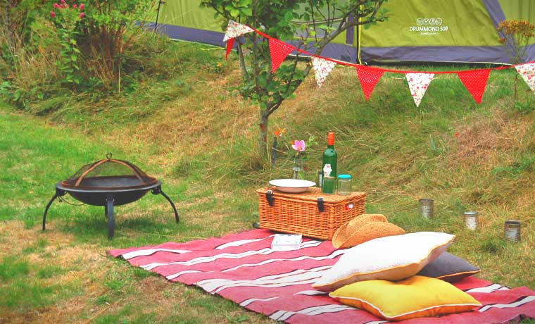 79866017c4900 DIY Glamping Ideas: 18 Ways To Make Camping More Glam
