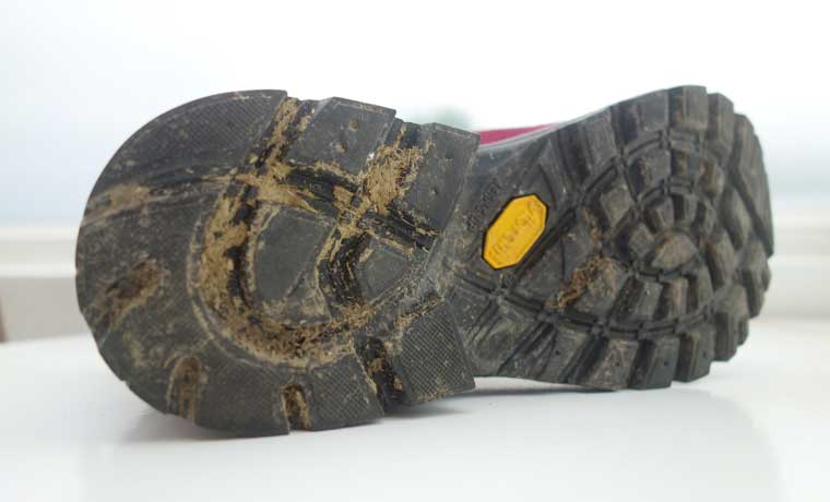 The Asolo Vibram Duo Radiant Megagrip with rubber-dual density EVA provides  reliable grip on a variety of surfaces. This highly technical sole balances  ... e4a63055a7a