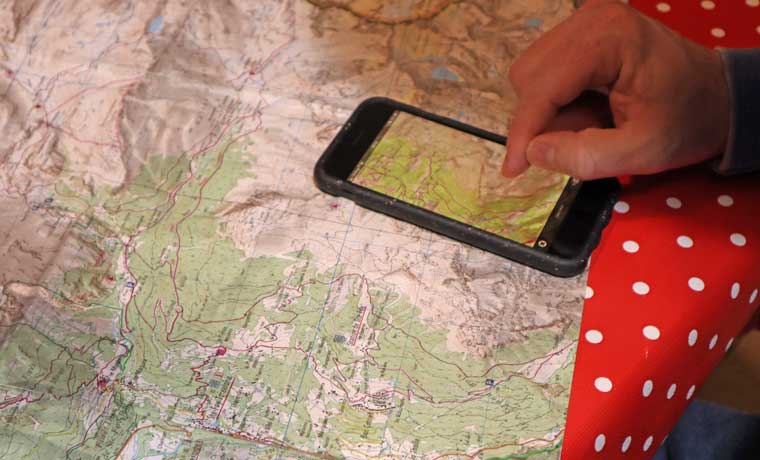 Route-planning-with-map-and-phone